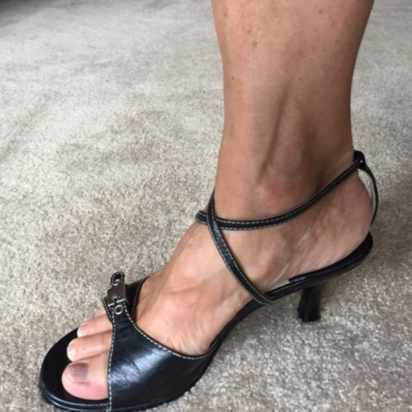 AEROSOLES Shoes - Black ankle strap sandals